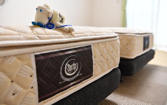 写真:「サータ製」ベッド