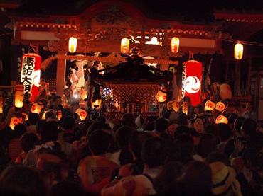 写真:山中諏訪神社